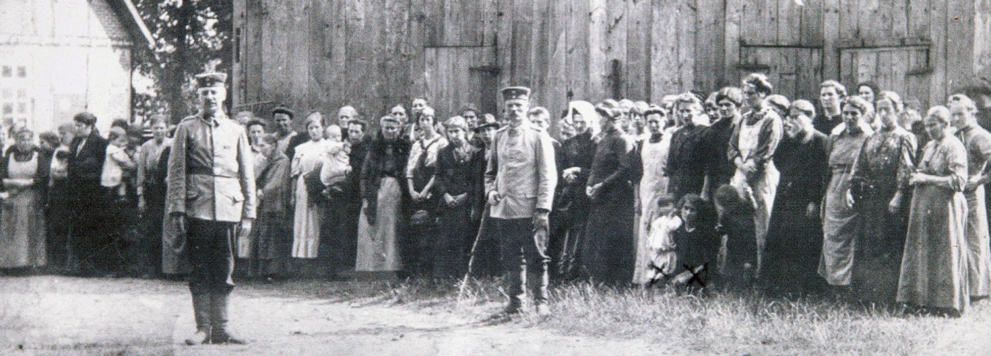 (2 ans) en Thérèse Delfosse 26 ans) in gevangenschap (otages, région de Tirlemont, 1914)