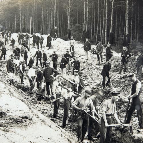 Soltau : foto's en identiteitsbewijzen van krijgsgevangene Pieter Godfried Bruelemans
